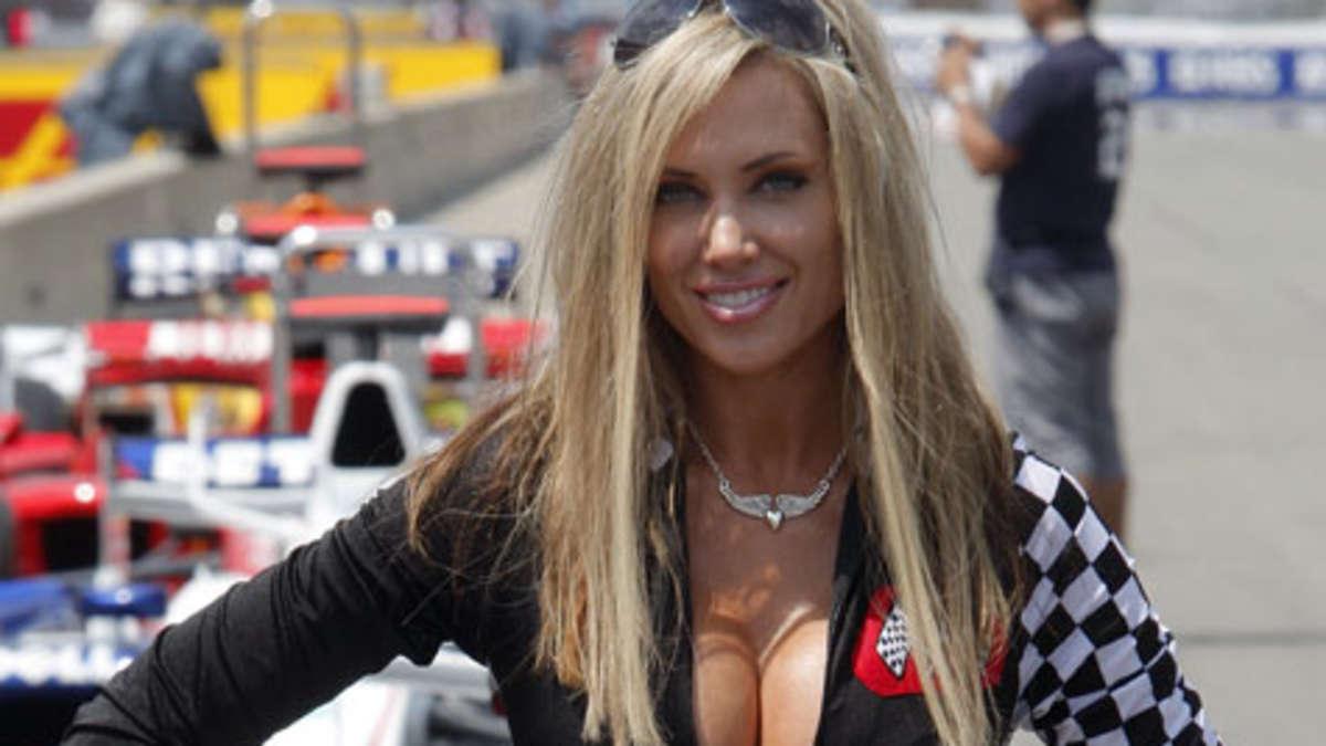 Heiße Grid Girls in der Formel 1   Formel 1