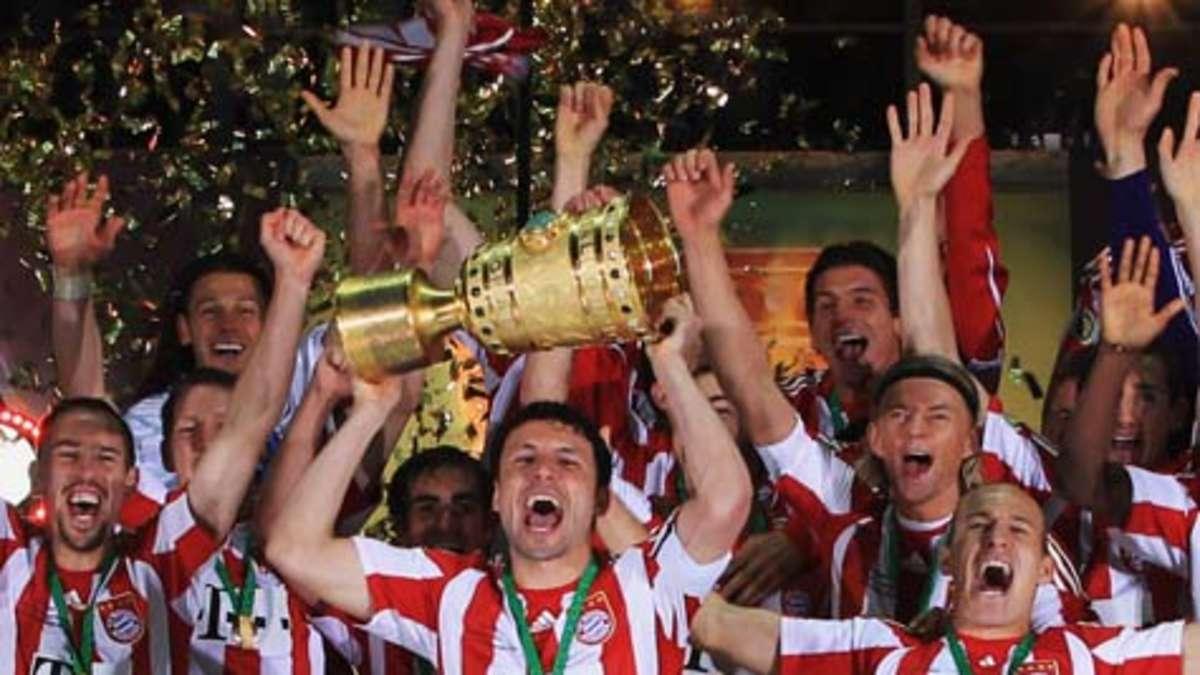 FC Bayern feierte Titelgewinn mit nackter Polonaise | FC