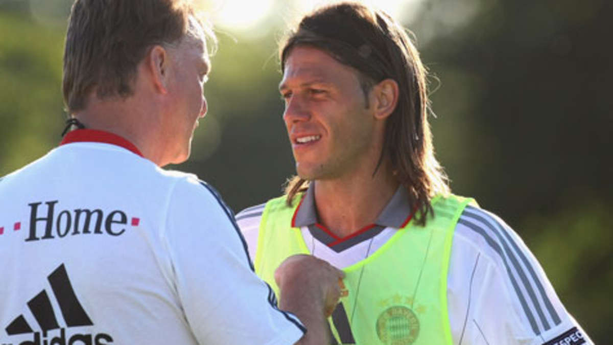 Man Citys Demichelis confirms story about van Gaal dropping his trousers in Bayern dressing room is true [Guardian]