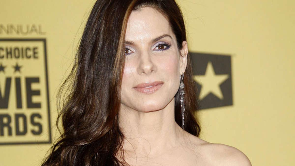 Sandra Bullock nackt in Late-Night-Show | Stars
