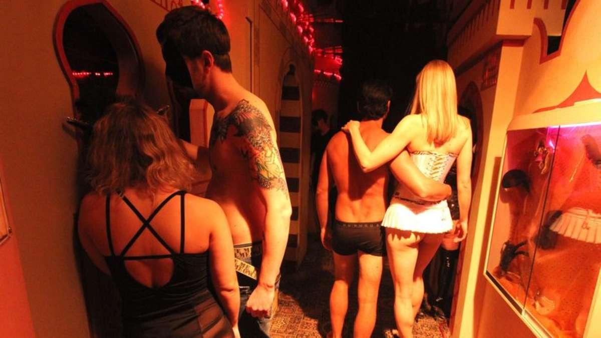 Gefangen nackt vor Soho Club