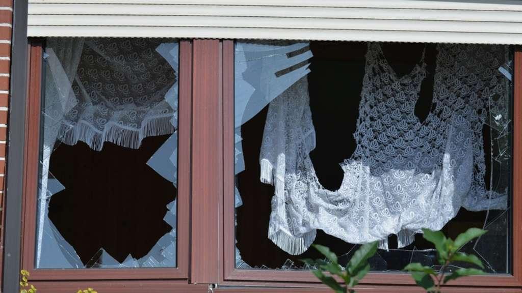 luftmatratze explodiert und verw stet haus hoher schaden welt. Black Bedroom Furniture Sets. Home Design Ideas