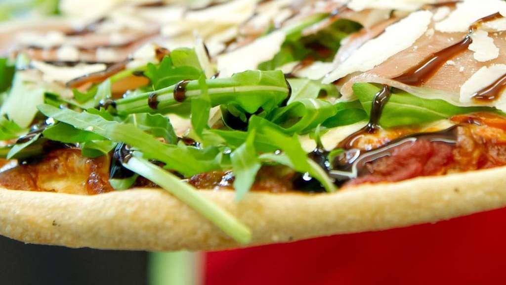 bester lieferdienst von m nchen auf ist smileys pizza profi stadt. Black Bedroom Furniture Sets. Home Design Ideas