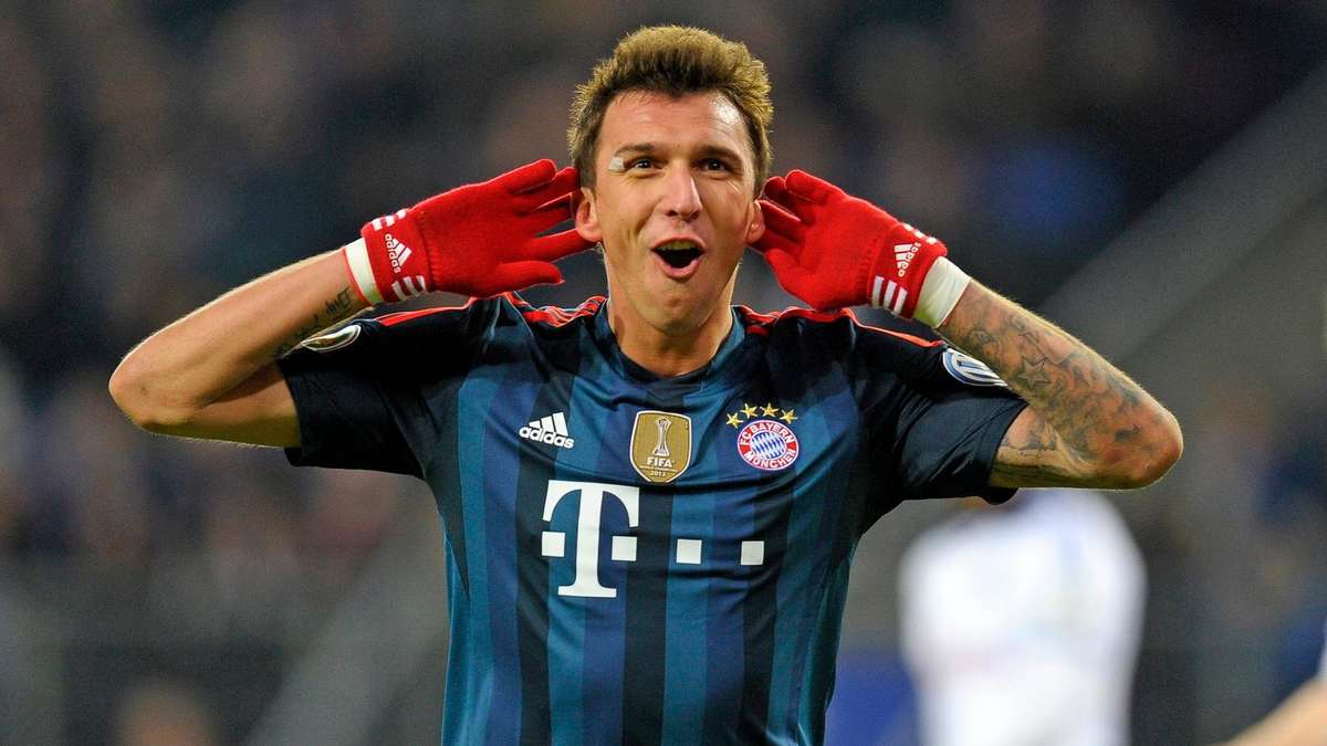 Inter-Roma duel for Mandzukic