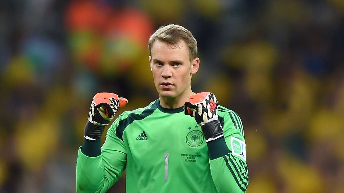 Manuel Neuer earned a 9 million dollar salary - leaving the net worth at 40 million in 2018