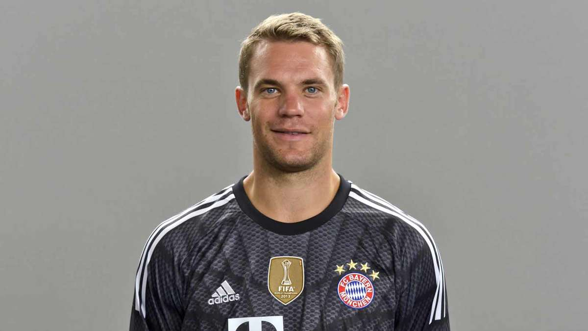 manuel neuer. Black Bedroom Furniture Sets. Home Design Ideas