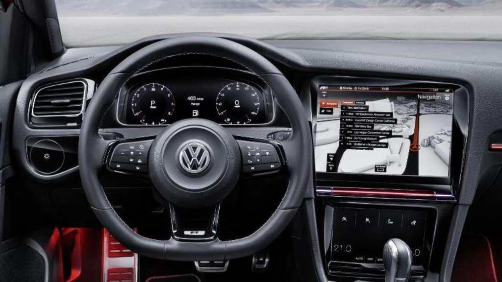 vw golf  touch cockpit der zukunft auf der ces  auto