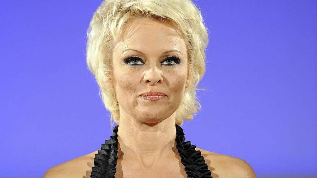 Britney Spears' Freund ist wieder ihr Agent   Promiflash.de