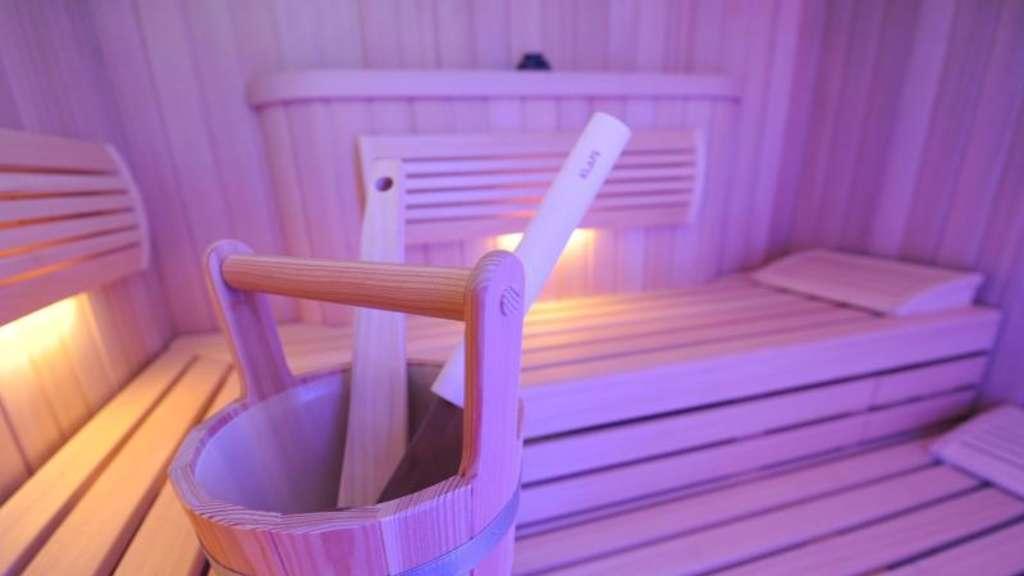 schnupfen in der sauna ausschwitzen funktioniert das. Black Bedroom Furniture Sets. Home Design Ideas