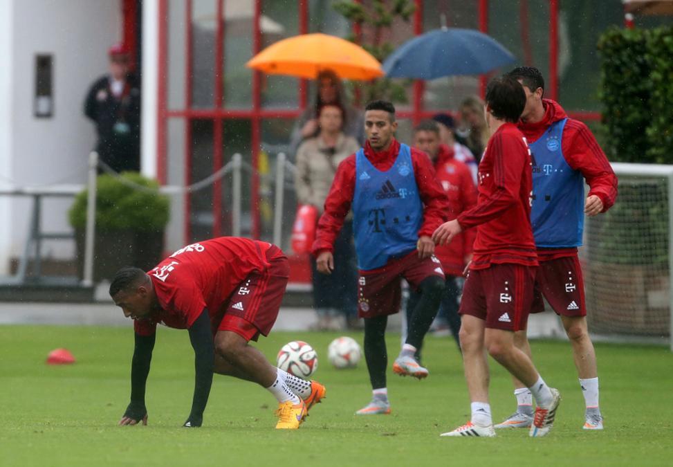 Boateng Amp Lewandowski Had A Fight At Bayern S Training