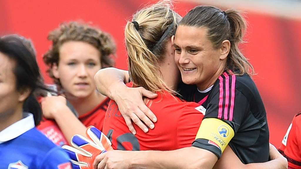 Frauen WM 2015 Kanada Lena Petermann Nadine Angerer