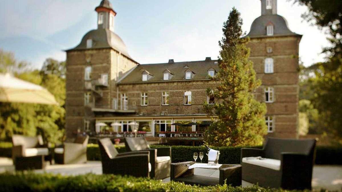 wie im m rchen die sch nsten burghotels deutschlands hotels. Black Bedroom Furniture Sets. Home Design Ideas