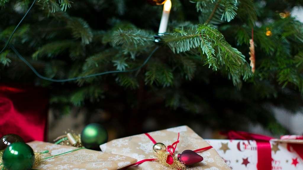 umfrage weihnachten f llt dieses jahr ppig aus wirtschaft. Black Bedroom Furniture Sets. Home Design Ideas