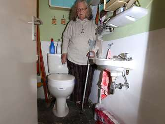 tz mietertag wer zahlt nach wasserschaden flut aus der toilette wohnen. Black Bedroom Furniture Sets. Home Design Ideas