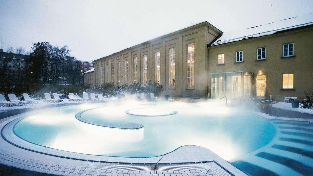 Schwimmen, Sauna, Eislaufen: So öffnen die Münchner Bäder