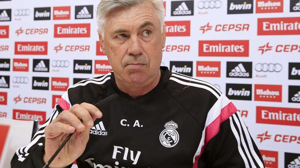 epa04761753 Real Madrid&#39s Italian head coach Carlo Ancelotti attends a press conference at Valdebebas Sport city in Madrid, Spain, 22 May 2015. Real Madrid will face Getafe CF in the Spanish Primera Division soccer match at the Bernabeu Stadium on 23 May 2015. EPA/ZIPI +++(c) dpa - Bildfunk+++