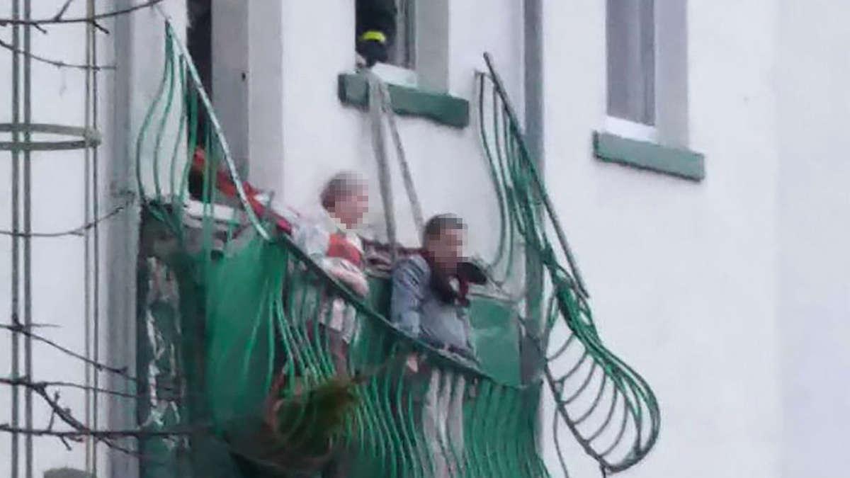 balkon bricht ab horror f r renter ehepaar bayern. Black Bedroom Furniture Sets. Home Design Ideas