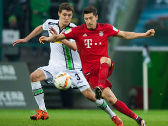 Andreas Christensen (l.) gegen Robert Lewandowski.