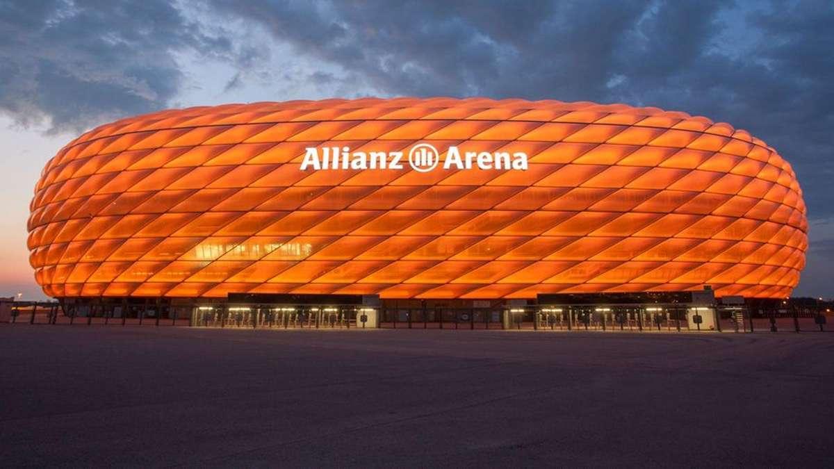 allianz arena in orange besuch von willem alexander und maxima schwabing freimann. Black Bedroom Furniture Sets. Home Design Ideas