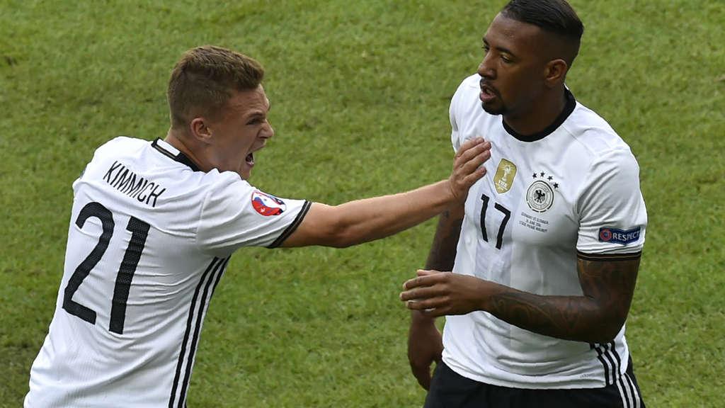 Joshua Kimmich (links) gehört auch im Achtelfinale gegen die Slowakei ...