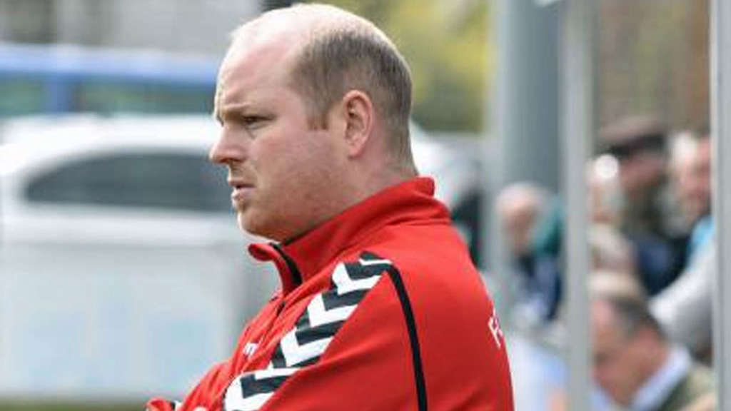Not amused: Föhrings Coach Andi Pummer.