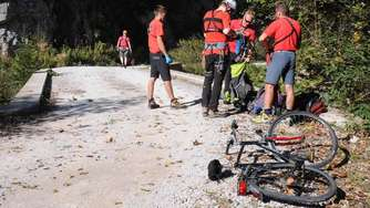 Mountain-Biker (59) stürzt in Schlucht - tot
