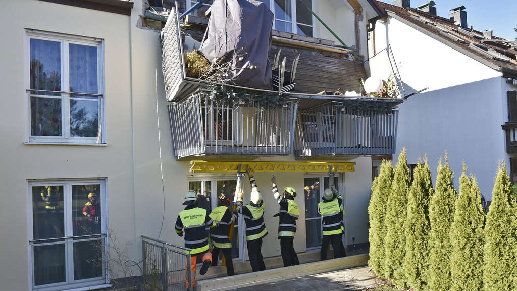 Balkon in München knickt ab