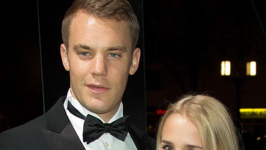 Laut Medienberichten Manuel Neuer hat seine Verlobte Nina geheiratet