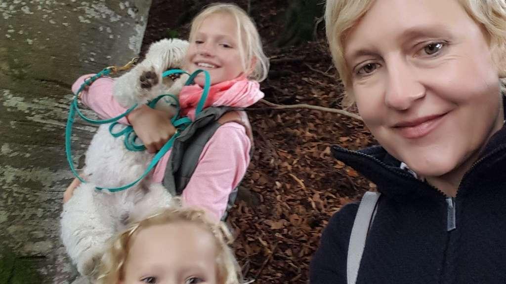 Hund beißt Kind in Bogenhausen 47-jährige Halterin ermittelt
