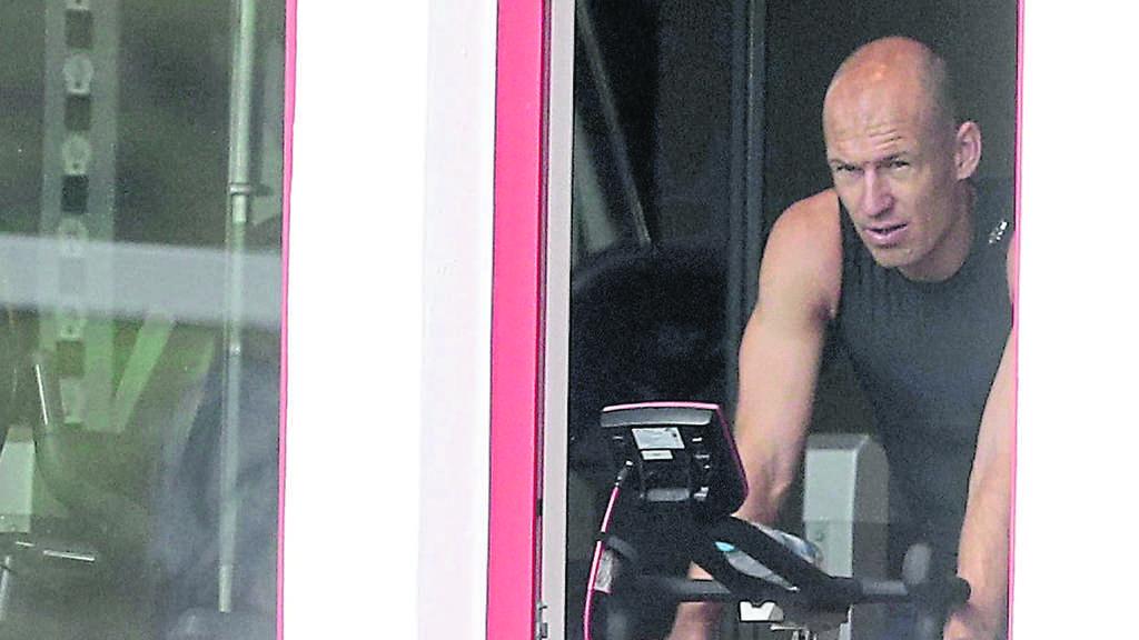 Robben hat sich beim Tennisspielen verletzt