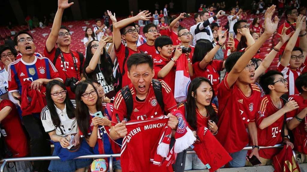 Bayern nimmt Klose mit nach Asien