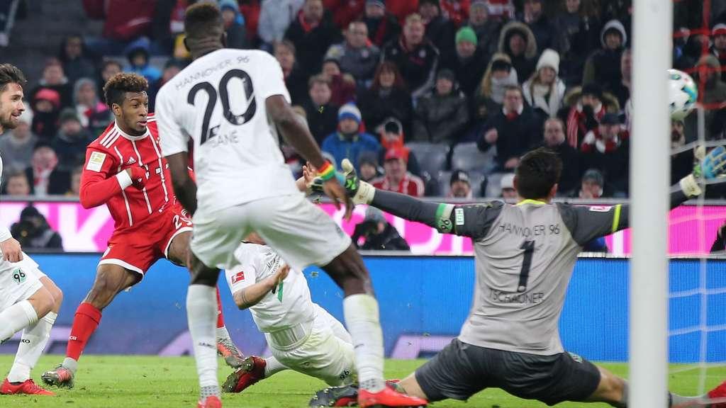 Rein das Ding Kingsley Coman nutzt eine der unzähligen Bayern Chancen zum zwischenzeitlichen 2:1