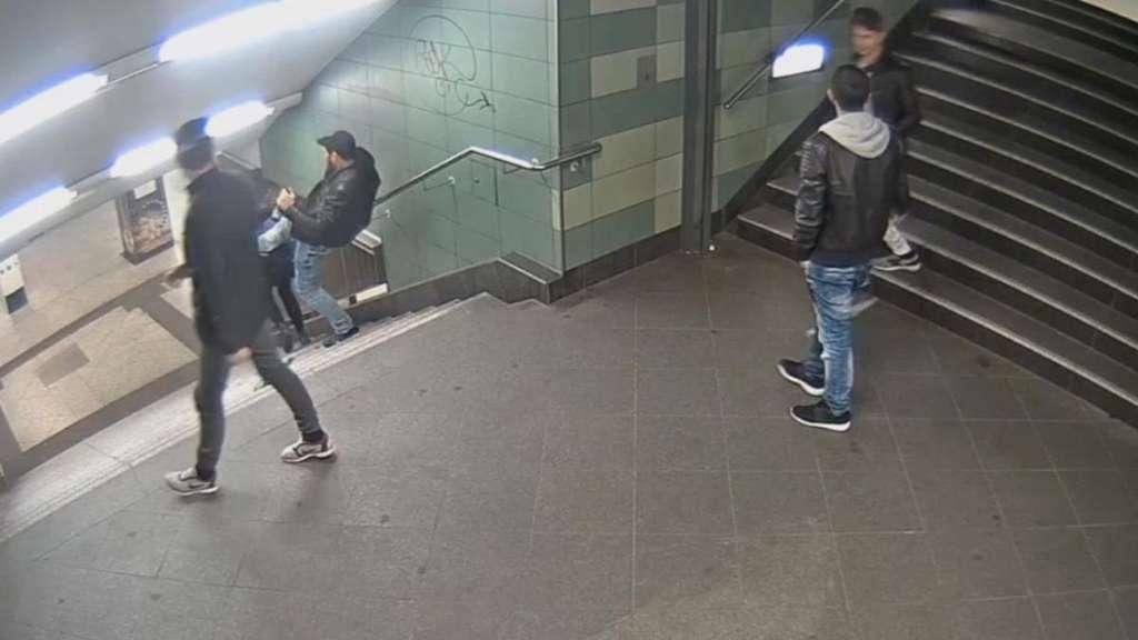 Berliner U-Bahn-Treter soll im Gefängnis verprügelt worden sein