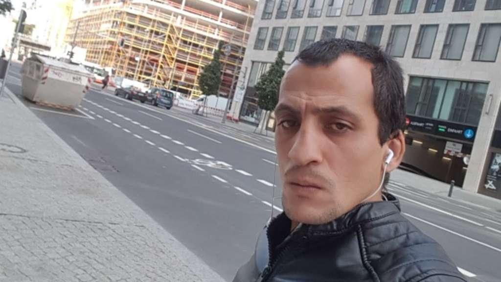 Einbrecher macht Selfies mit geklautem Handy