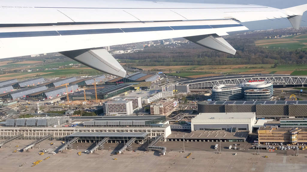 Co-Pilot betrunken: Stark alkoholisiert! Flug aus Stuttgart gestoppt
