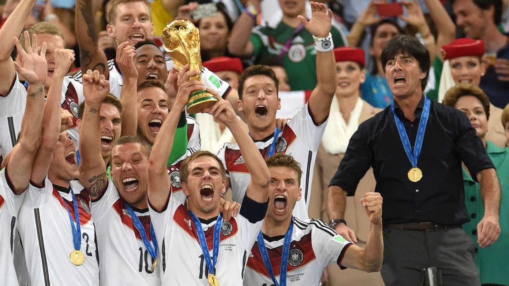 ARD kündigt WM-Held: TV-Aus für umstrittenen Fußball-Experten