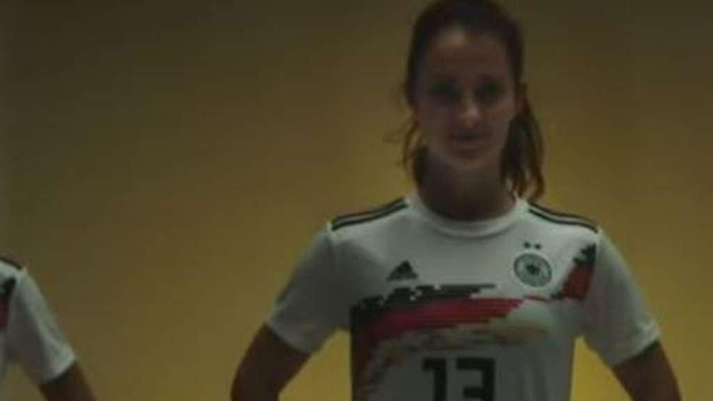 DFB-Frauen-Nationalmannschaft: Pferdeschwänze-Werbung