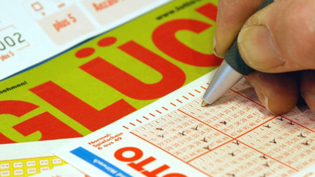 Hildesheim Tippgemeinschaft Streitet Vor Gericht Um Lotto Millionen