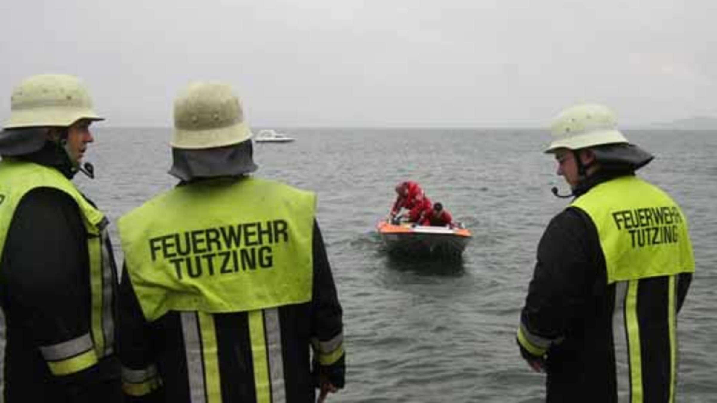 ölteppich Feuerwehreinsatz Auf Dem Starnberger See Bayern