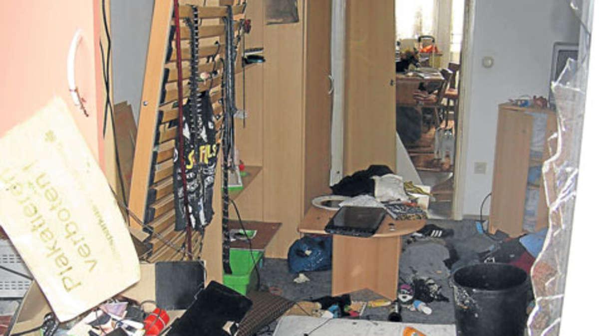 haarspray explodiert nicole 15 im koma stadt. Black Bedroom Furniture Sets. Home Design Ideas