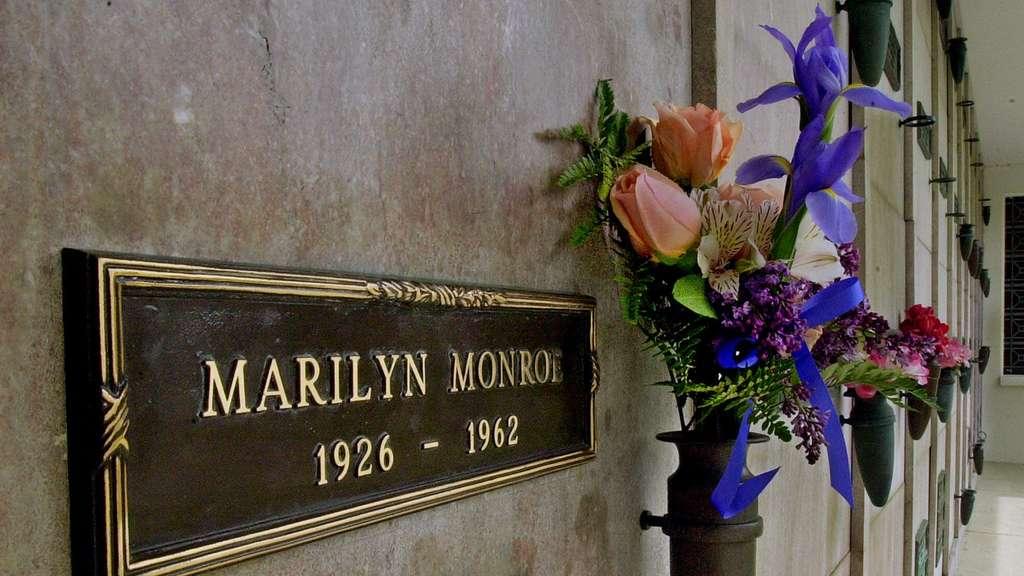 platz ber marilyn monroes grab bleibt leer stars. Black Bedroom Furniture Sets. Home Design Ideas