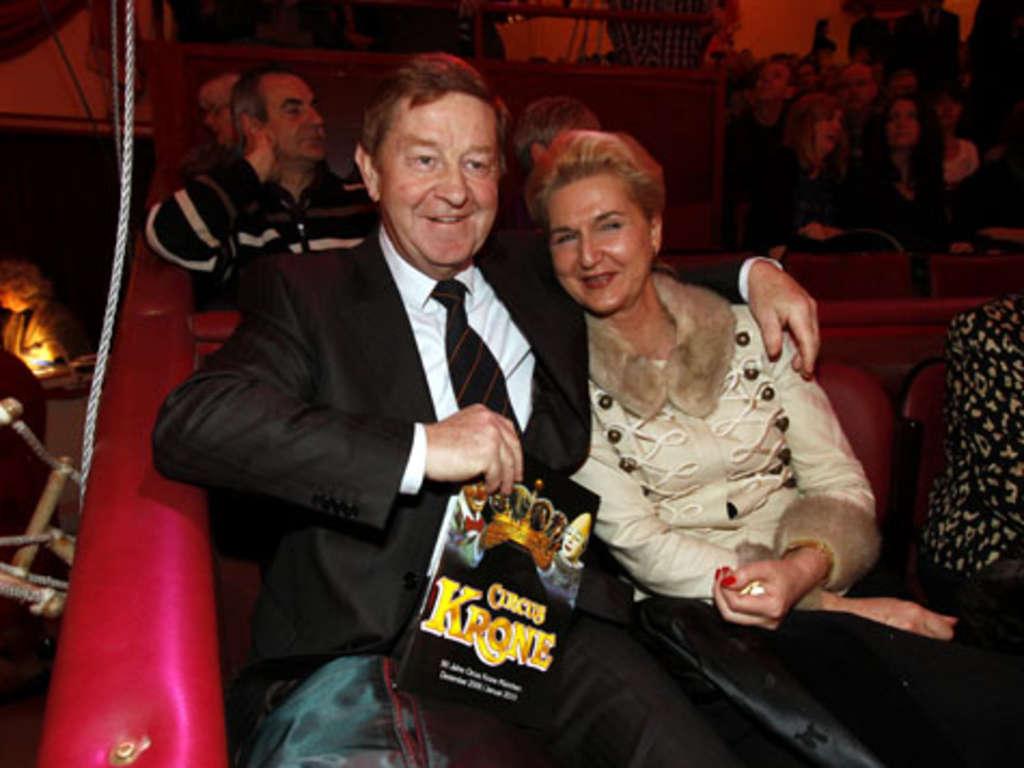 foto de Premiere im Circus Krone: Top-Stars zwischen großen Tieren   Stadt