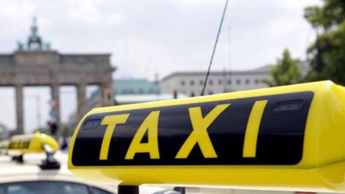 ein unbekannter hat in m nchen einen taxifahrer brutal zusammengeschlagen der mann war gerade. Black Bedroom Furniture Sets. Home Design Ideas