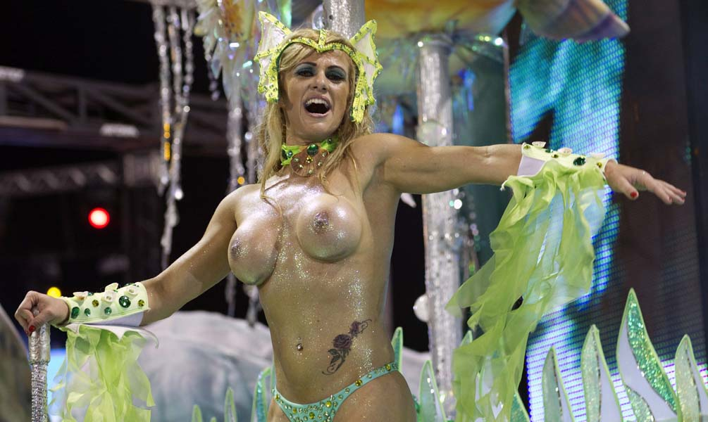 Rio's naked carnival kicks off with dancers in eye