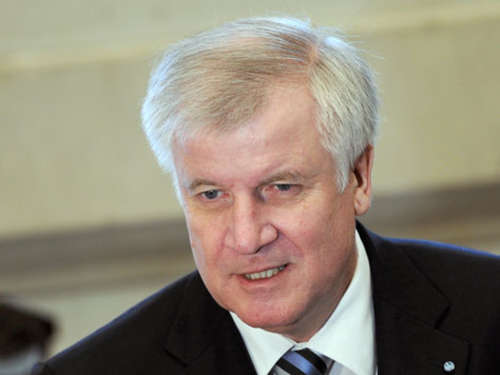 Seehofer in China eingetroffen