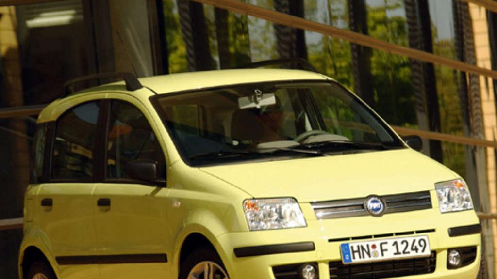 Adac Vergleicht Reichweiten Verschiedener Automodelle Mit Treibstoff