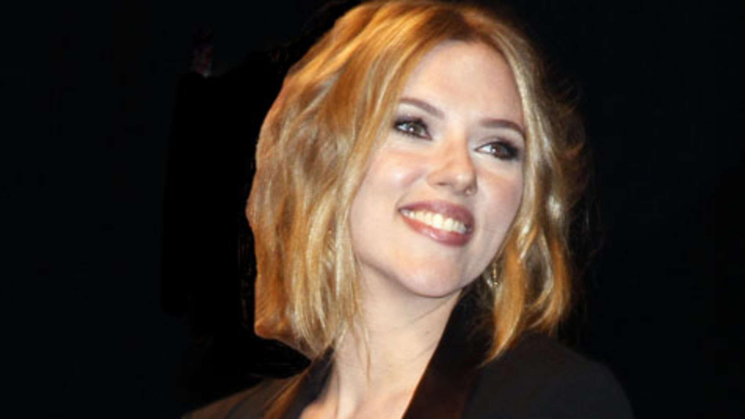 Scarlett Johansson Zeigt Neue Frisur Und Arbeitet Am Image