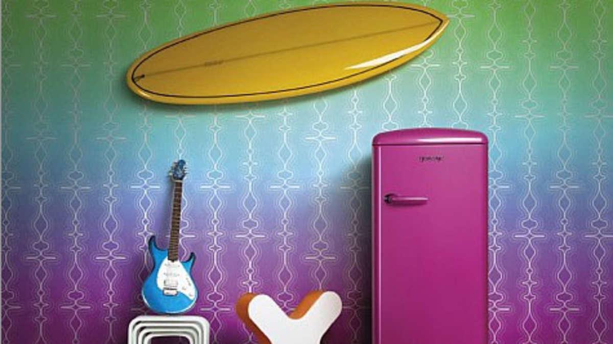 fu ball sticker gorenje retro k hlschrank funky collection gewinnen fu ball. Black Bedroom Furniture Sets. Home Design Ideas