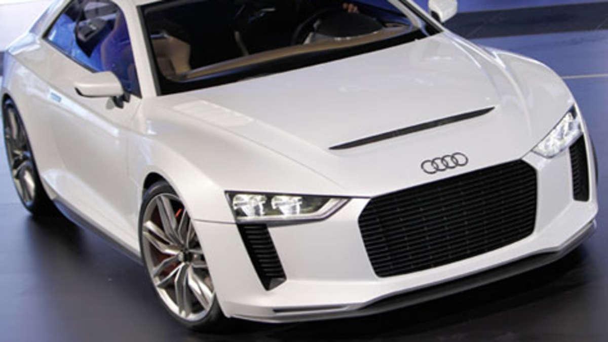 Audi Quattro Concept auf dem Pariser Autosalon 2010 | Auto