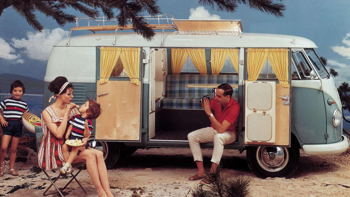 vw bus der bulli steht fuer ein lebensgefuehl     camping auto